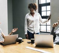 Les métiers du numérique : place à la parité ?