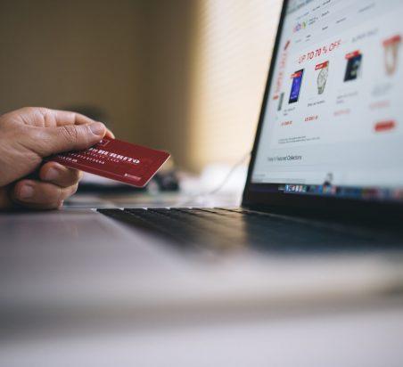 E-commerce : près de 85% des Français font leurs achats en ligne